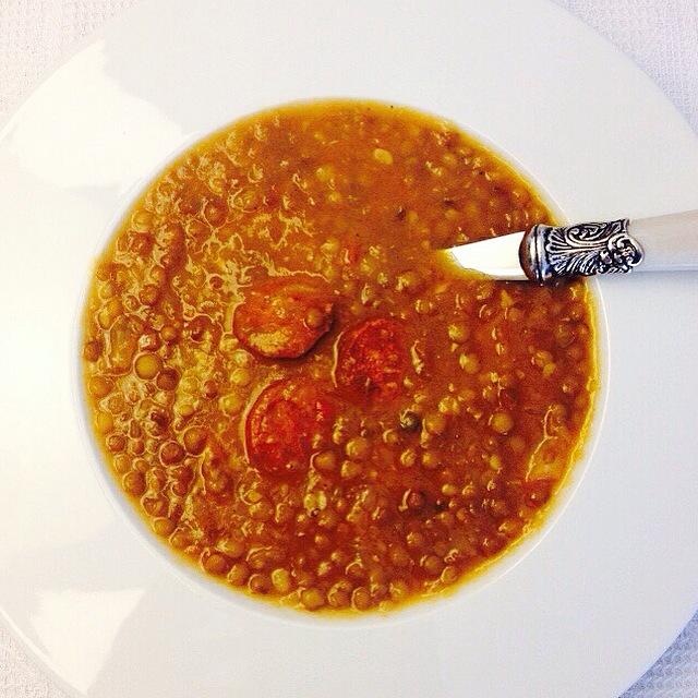 receta-lentejas-con-chorizo-y-sofrito-forma-rapida