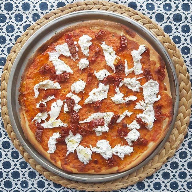 recepta-pizza-de-burrata-i-tomaquet-sec
