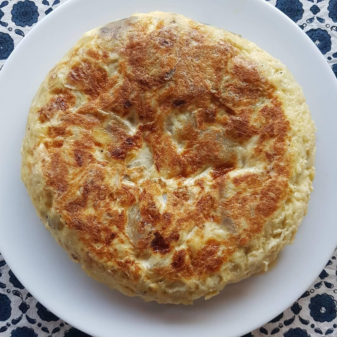 receta-tortilla-de-patatas-y-cebolla