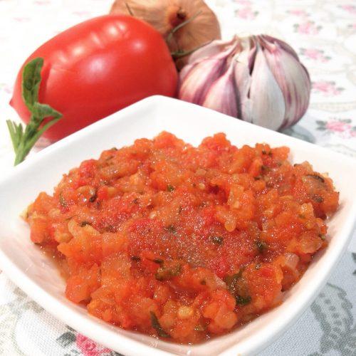 recepta-salsa-de-tomaquet-amb-alfàbrega