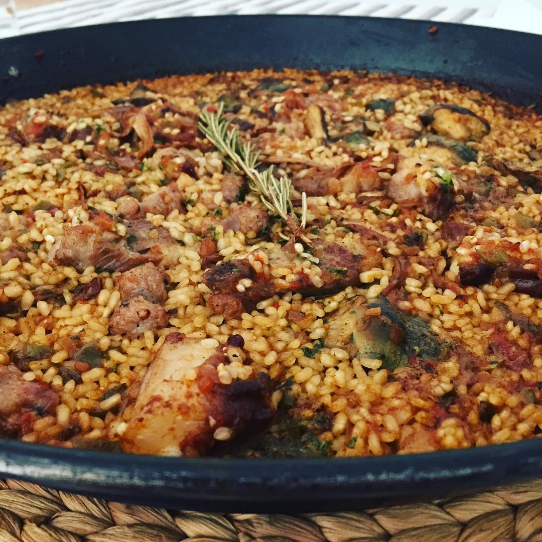recepta-arros-amb-costella-de-porc-i-salsitxa