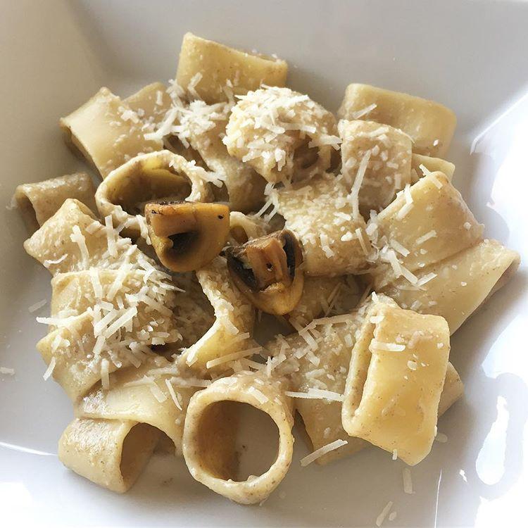receta-pasta-con-salsa-de-champiñones-y-parmesano