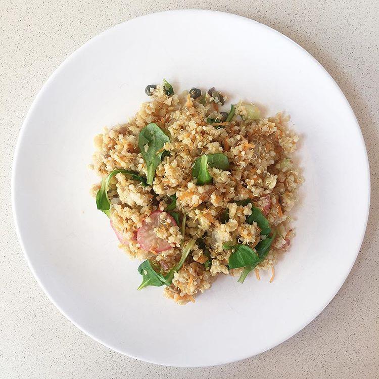 recepta-amanida-de-quinoa-pastanaga-i-taperes